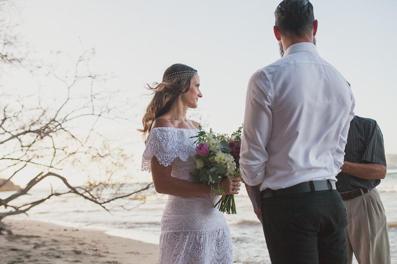 beautiful costa rica bride