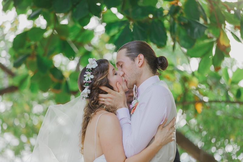 Destination wedding photographer based in Playa Tamarindo, Costa Rica