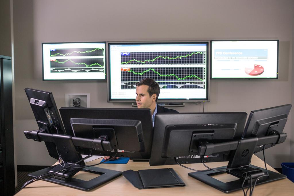 9914_HP_414_Stock_Trader_EliteDesk_089.jpg