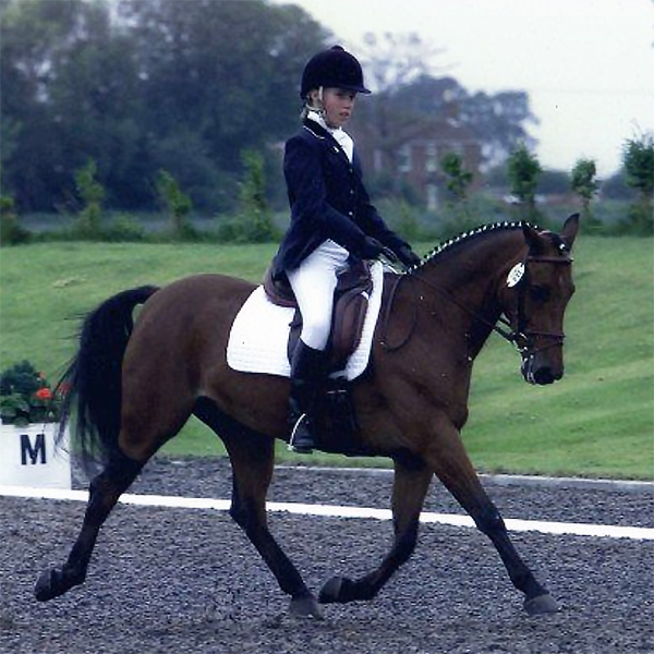 Proper dressage with Solo!