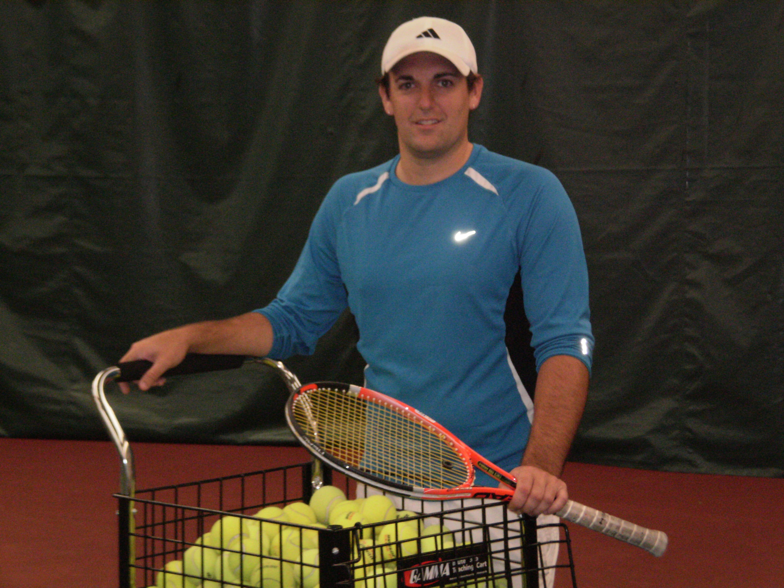 QUIN HOWE    Co-Director of Tennis    Junior Development Coordinator   Quin played Divison I college tennis for Central Connecticut State University. After college, he moved to Miami Florida and taught at the Nick Bollitieri Tennis Academy at Flamingo Park, as well as the North Shore Tennis Academy in North Miami Beach. While living in Florida, Quin coached nationally and internationally ranked juniors. After moving back to Connecticut in 2005, Quin has been teaching in the greater Hartford area for the Glastonbury Tennis Club. He's been a full-time pro at the club since 2007.