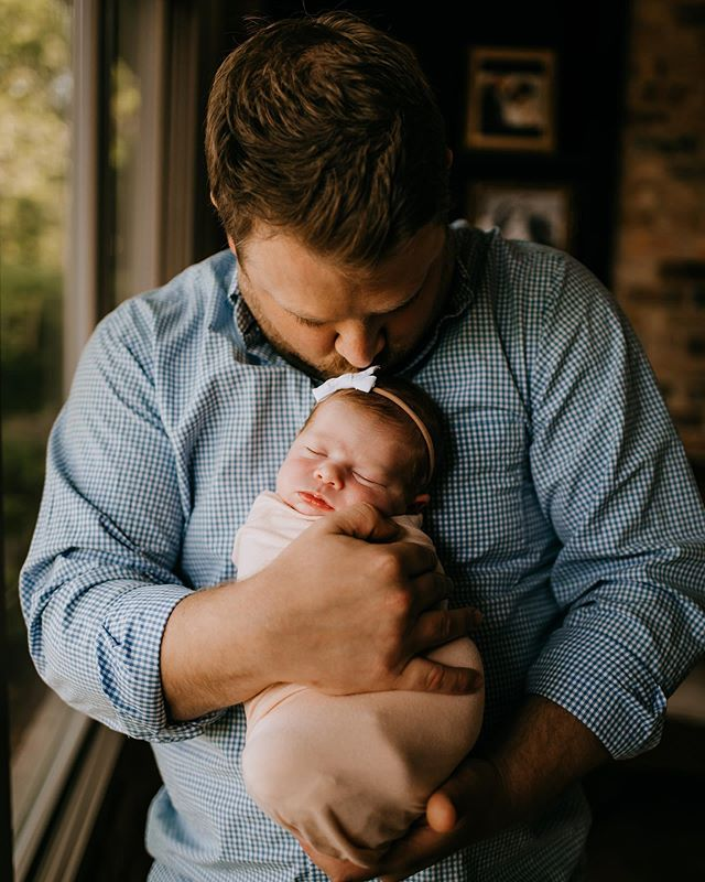 Daddy and me shots are some of my favorite. I focus on motherhood more than anything else because it is personal to me and so dear to my heart. BUT fathers are just as special and NEEDED and deserve to be celebrated in the same way as us Mama's do. My hope for this year is to capture more of the relationships between fathers and their children🌿  With that being said..... if you are a Dad and would like to book a session with your children OR if you would like to book a Fatherhood session for someone you know— message me. I'll be offering these sessions at a discounted rate 🖤 . . . . . . . . . . . . #simplychildren #thesincerestoryteller #fearlessandframed #dearphotographer  #beunraveled #magicthroughmylens #dearestviewfinder #thefamilycollective #follow_this_light #theartofchildhood #inbeautyandchaos #thebloomforum #thelifestylecollective #howiclick #snaplovegrow #jj_its_kids #cameramama #photographerstories  #dadsinthewild  #b1withdads  #dadsofinstagram  #dadsmatter  #crestviewfloridaphotographer  #destinfloridaphotographer