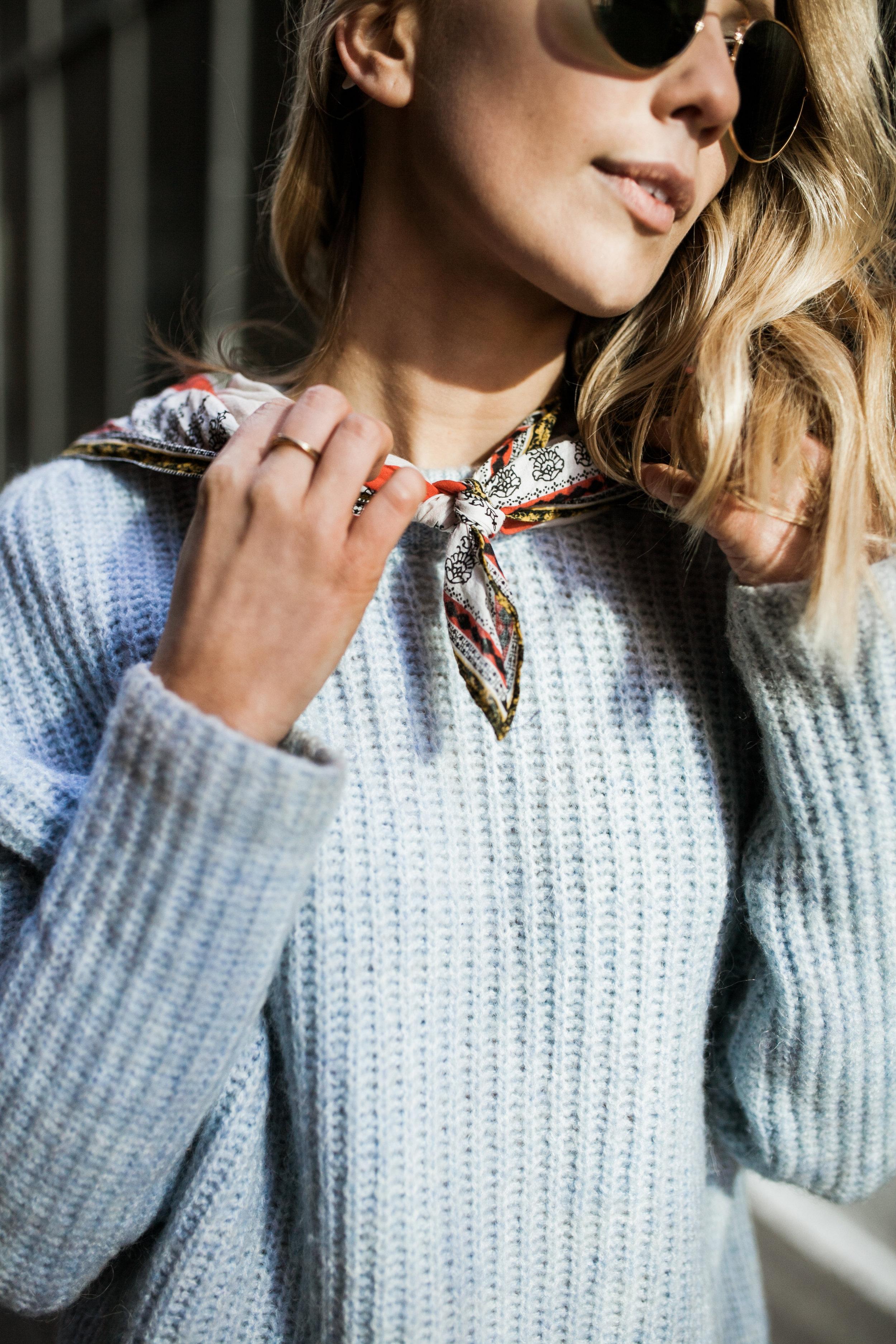powder blue zara sweater hm neck scarf ray ban.jpg