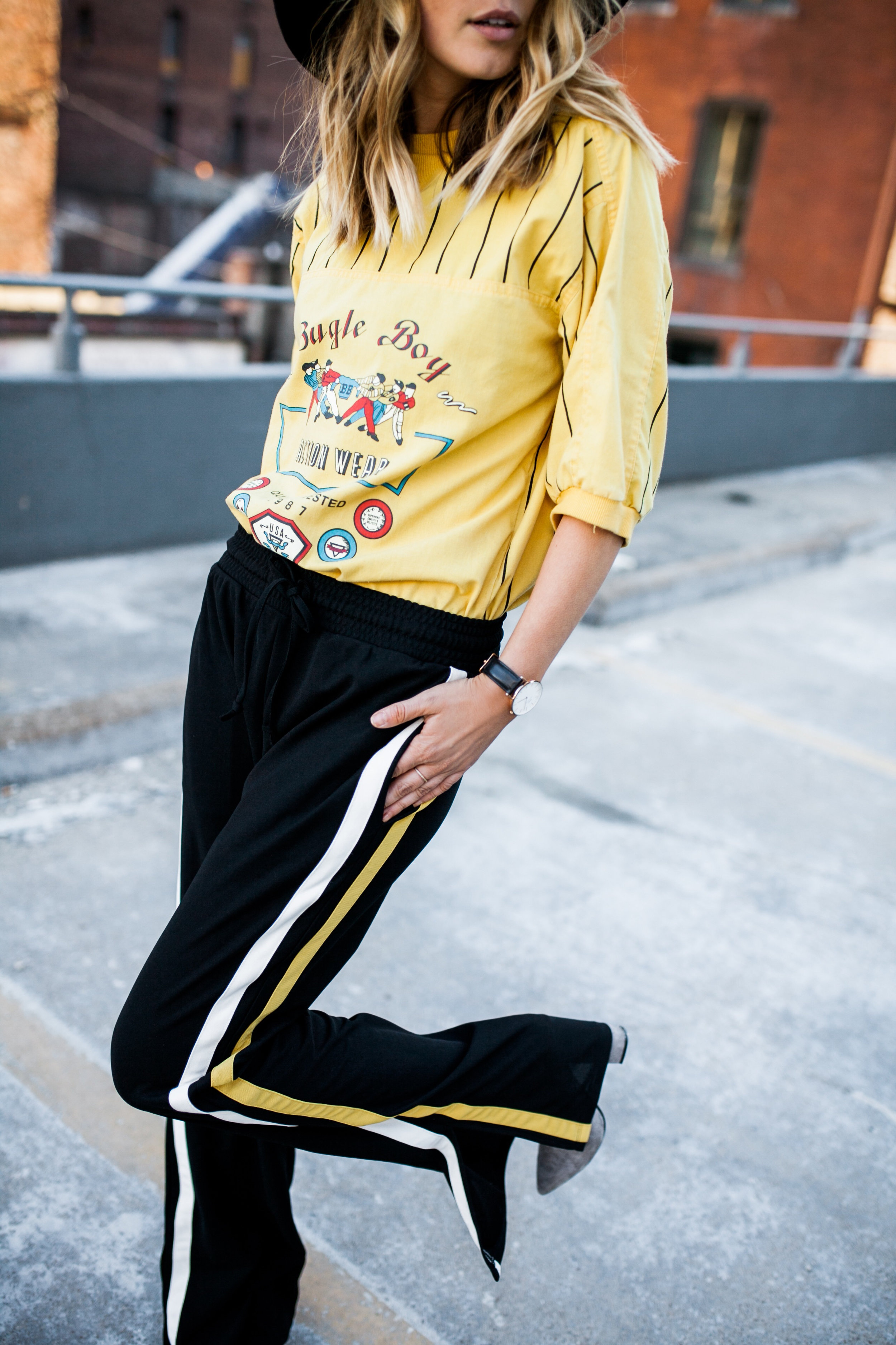 who+what+wear+track+pant+side+striped+detail.jpg