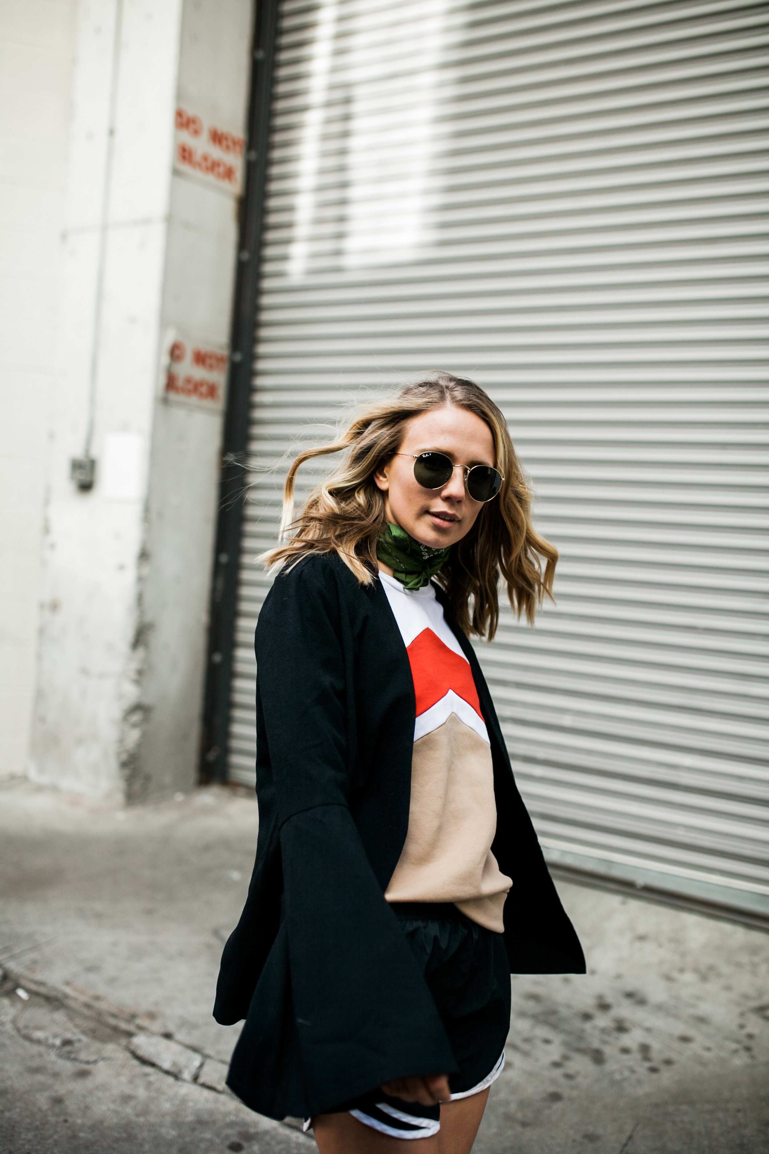 how-to-wear-the-statement-sleeve-trend.jpg