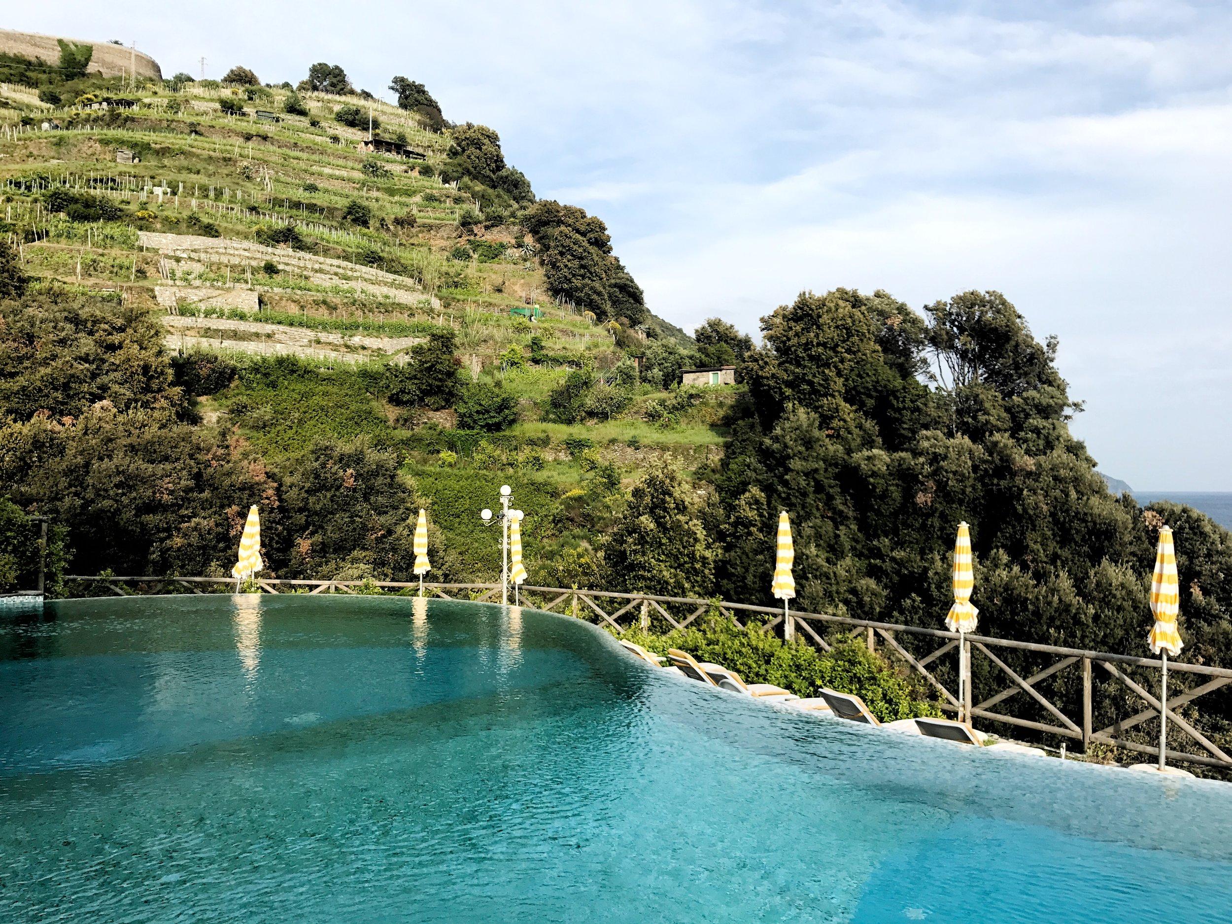 Cliffside pool at the hotel Porto Roca in Monterosso al Mare