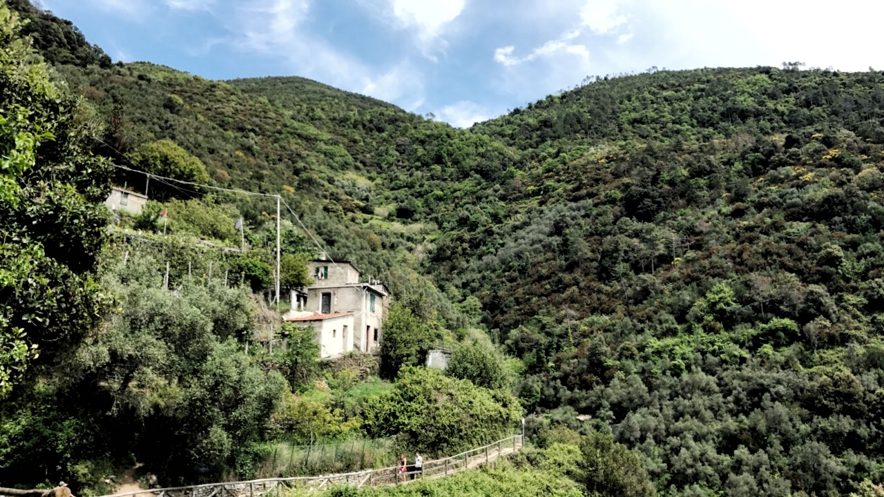 Cliffside home on the hike from Monterosso al Mare to Vernazza in Cinque Terre