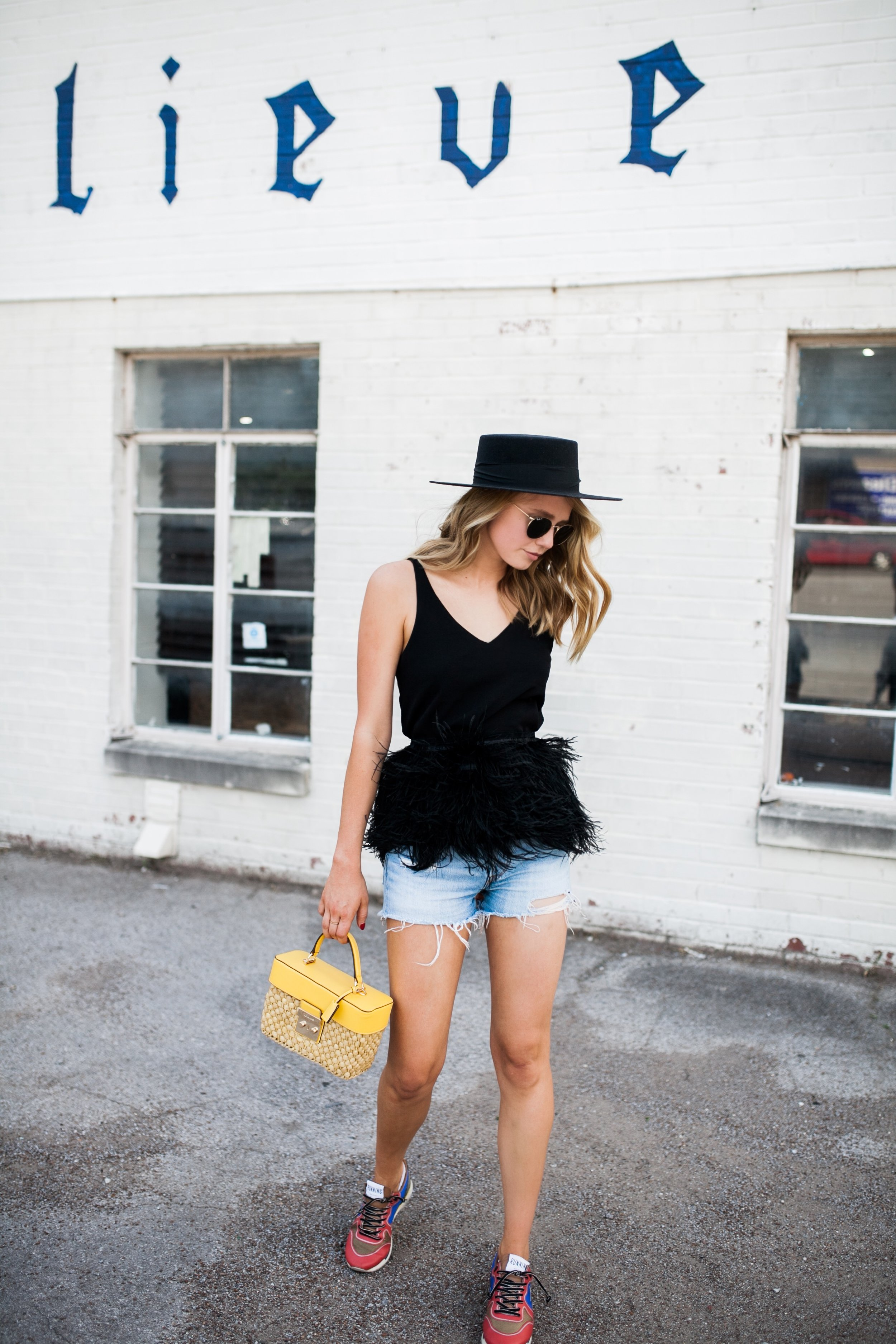 how-to-style-your-cut-off-shorts.JPG