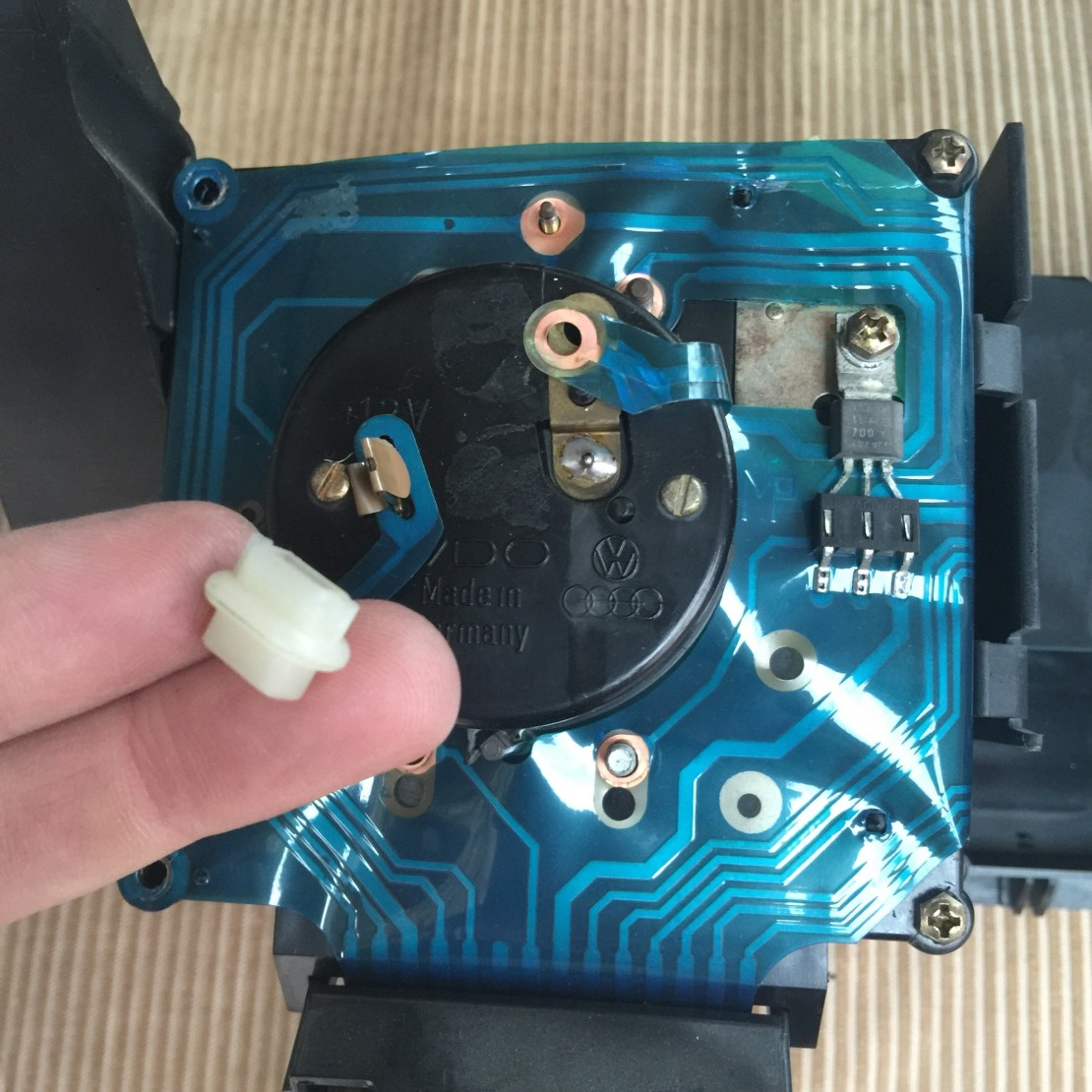 4-remove-fasteners.jpeg