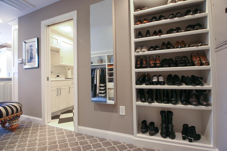 C  ustom Closet & Laundry Room