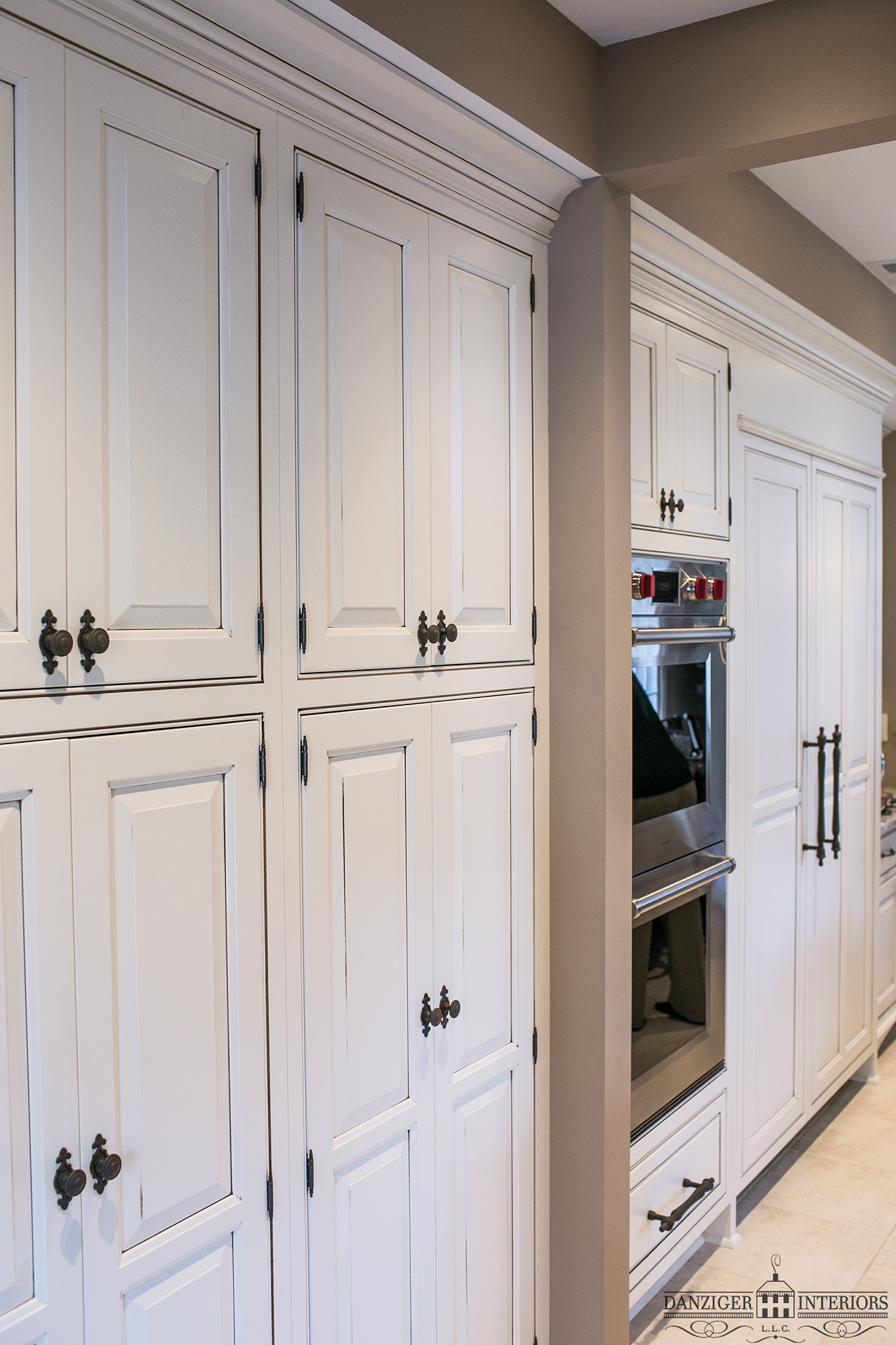 Inset Pantry Flanks Appliance wall