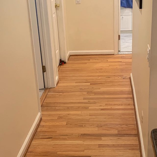 Thinking of refinishing? Before/After oak floor #transformation #woodfloorrefinishing #bona_pro