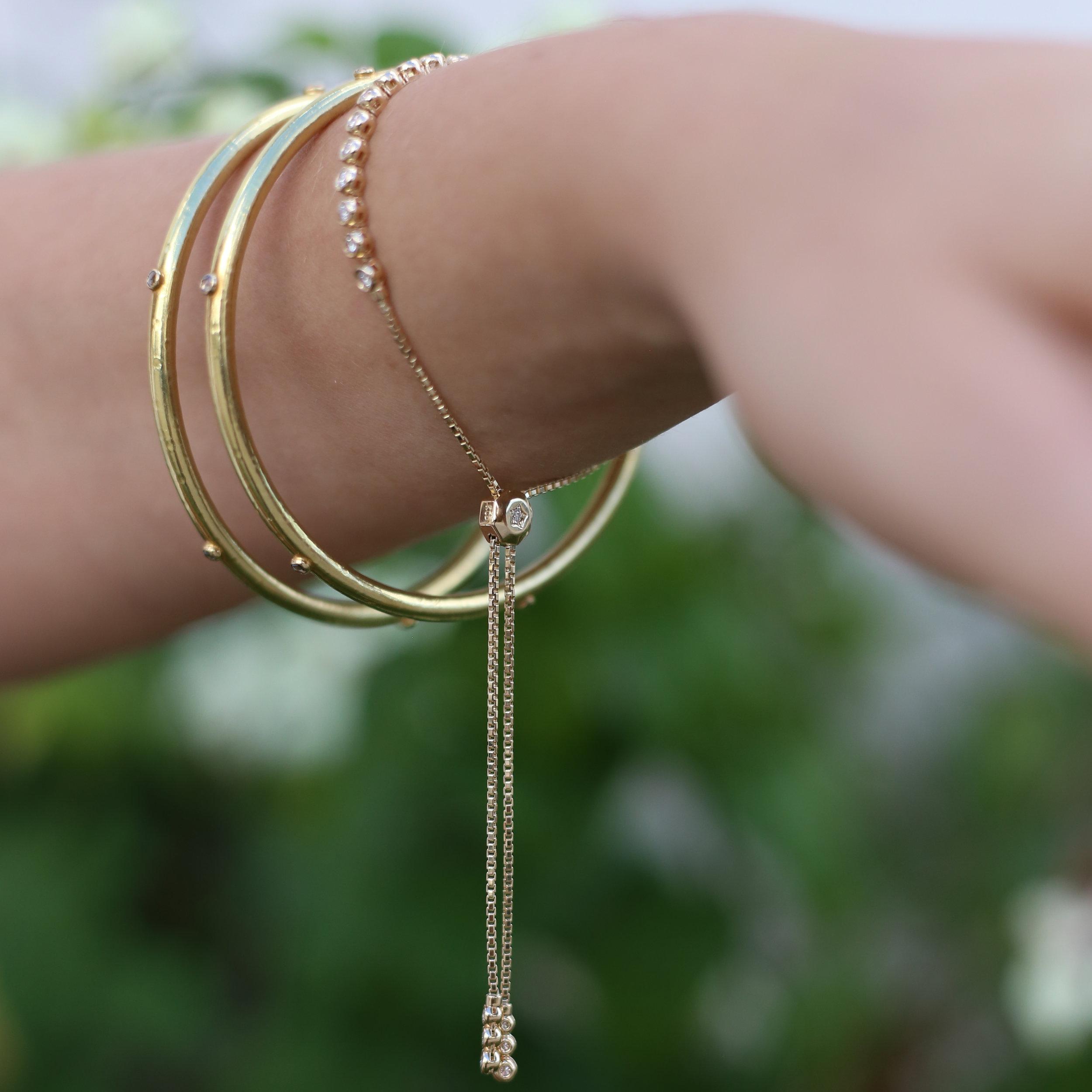 diamond_adjustable_bolo_bracelet_gold.jpg