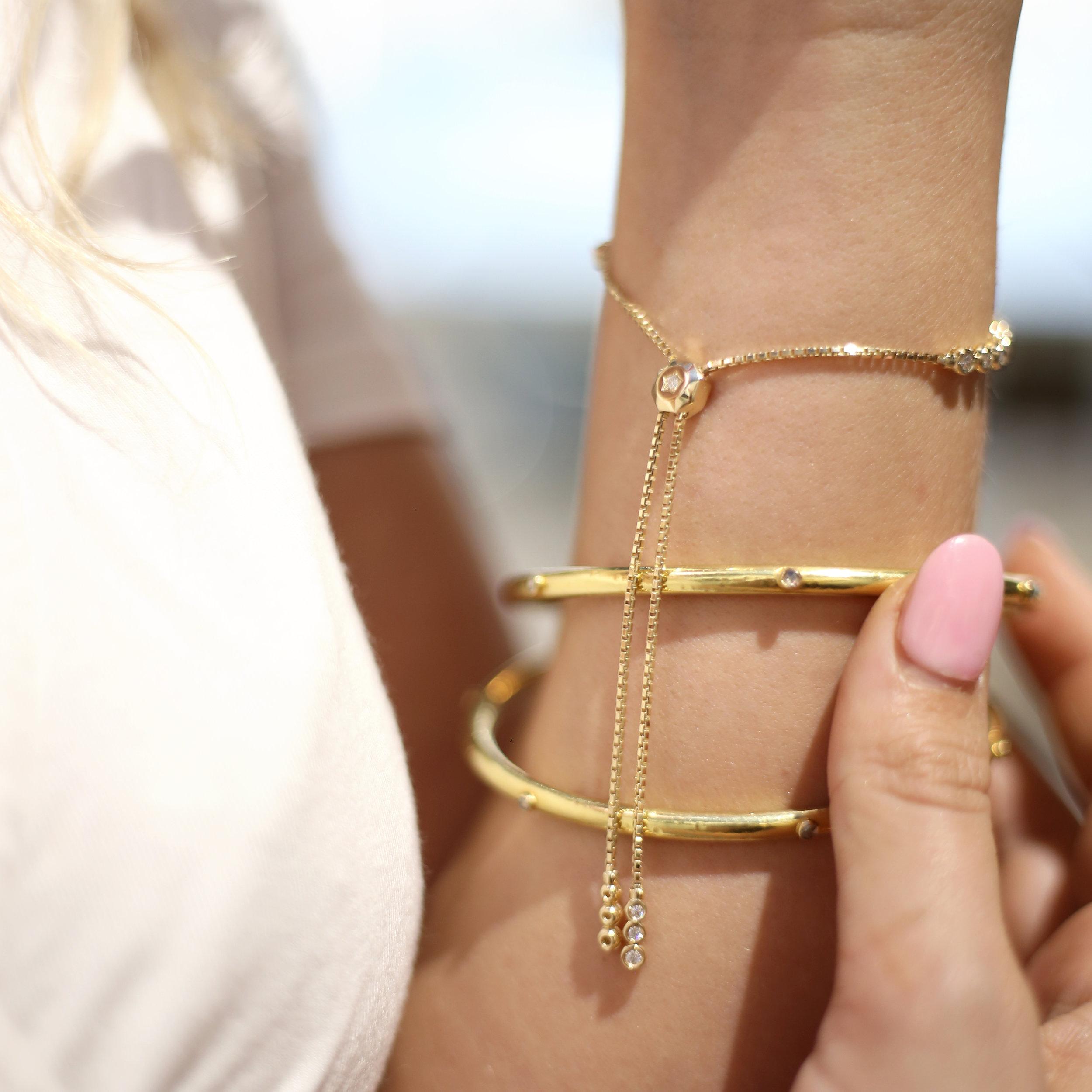 diamond_adjustable_bolo_style_bracelet.jpg