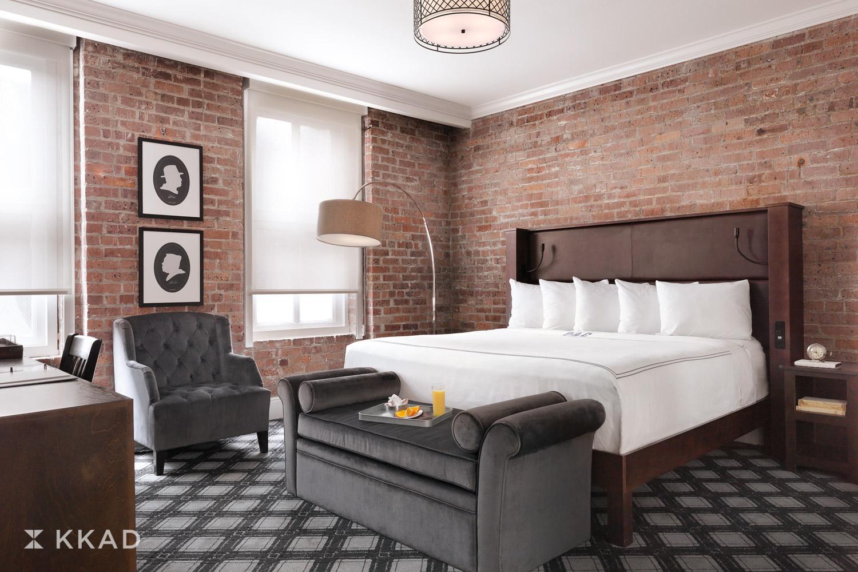Q & C Hotel King Guestroom