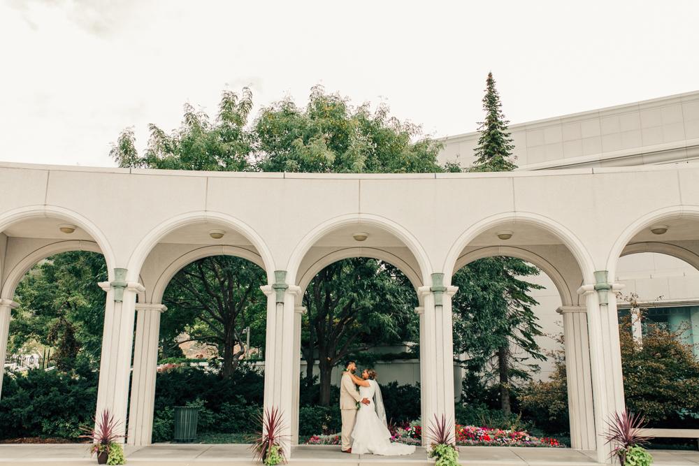 bountiful-utah-temple-wedding-2.jpg