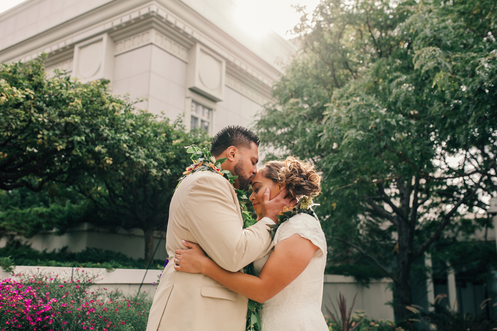 bountiful-utah-temple-wedding-4.jpg