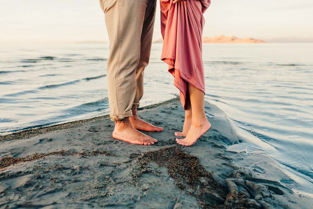 great-salt-lake-engagement-session-21.jpg