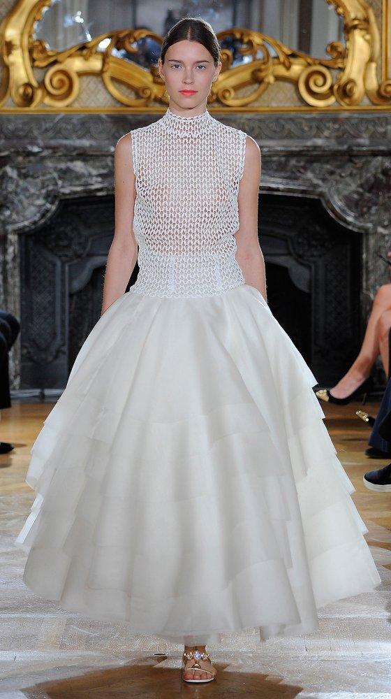 kaviargauche-berlin-label-fashion-mode-brautkleid-bridaldress-wedding-hochzeit_bridal-couture-white-iris-collection_20.jpg