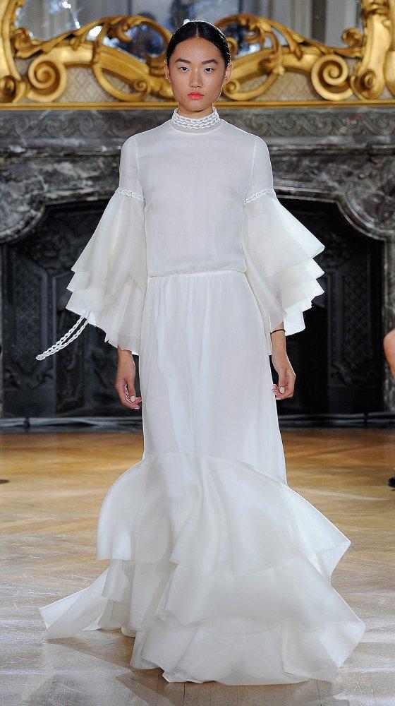 kaviargauche-berlin-label-fashion-mode-brautkleid-bridaldress-wedding-hochzeit_white-iris-collection_02.jpg