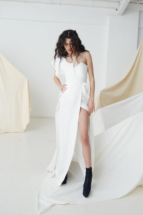 bridal_ss17_couture_03a_thelongmalinadress_jpg_8864_north_499x_white.jpg