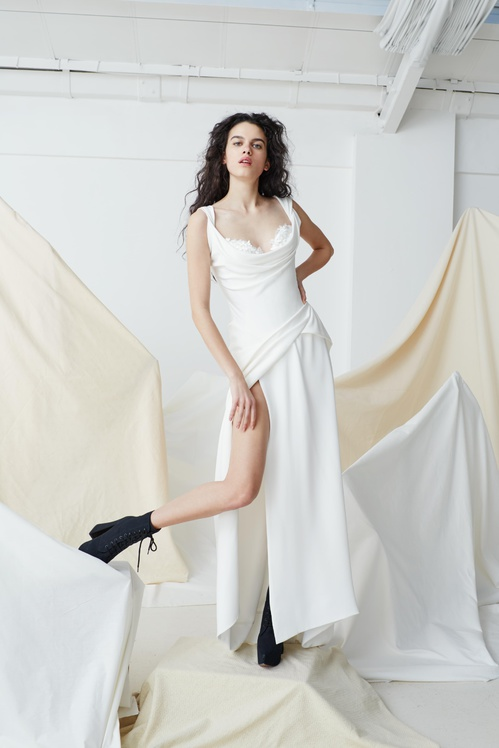 bridal_ss17_couture_01b_theharrycorsetdress_jpg_5874_north_499x_white.jpg