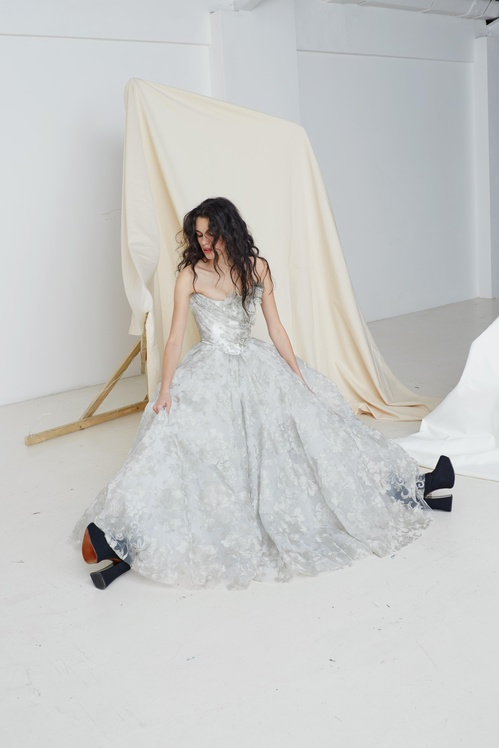 bridal_ss17_couture_06b_thedelicatedrapecorset_theresaskirt_jpg_385_north_499x_white.jpg