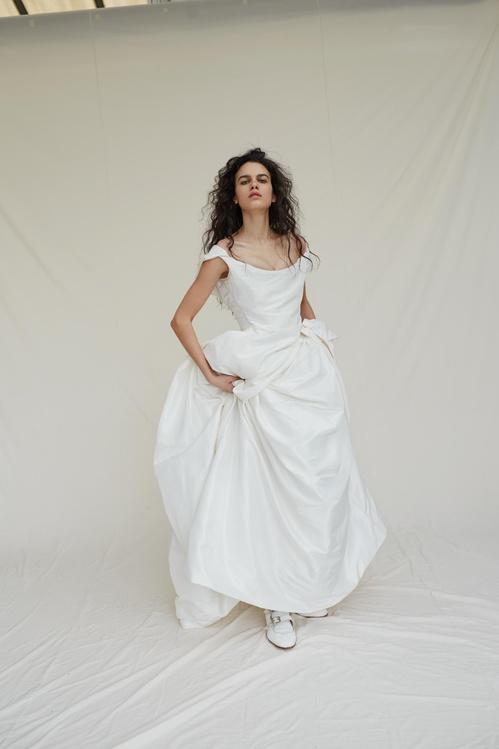 bridal_ss17_madetoorder_02b_thebirdofparadisedress_jpg_3968_north_499x_white.jpg