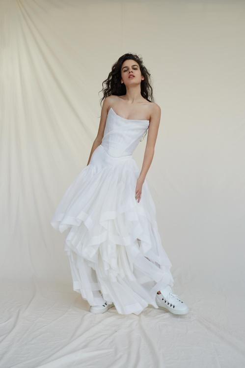 bridal_ss17_madetoorder_06a_thedelicatecorset_princessskirt__2__jpg_928_north_499x_white.jpg