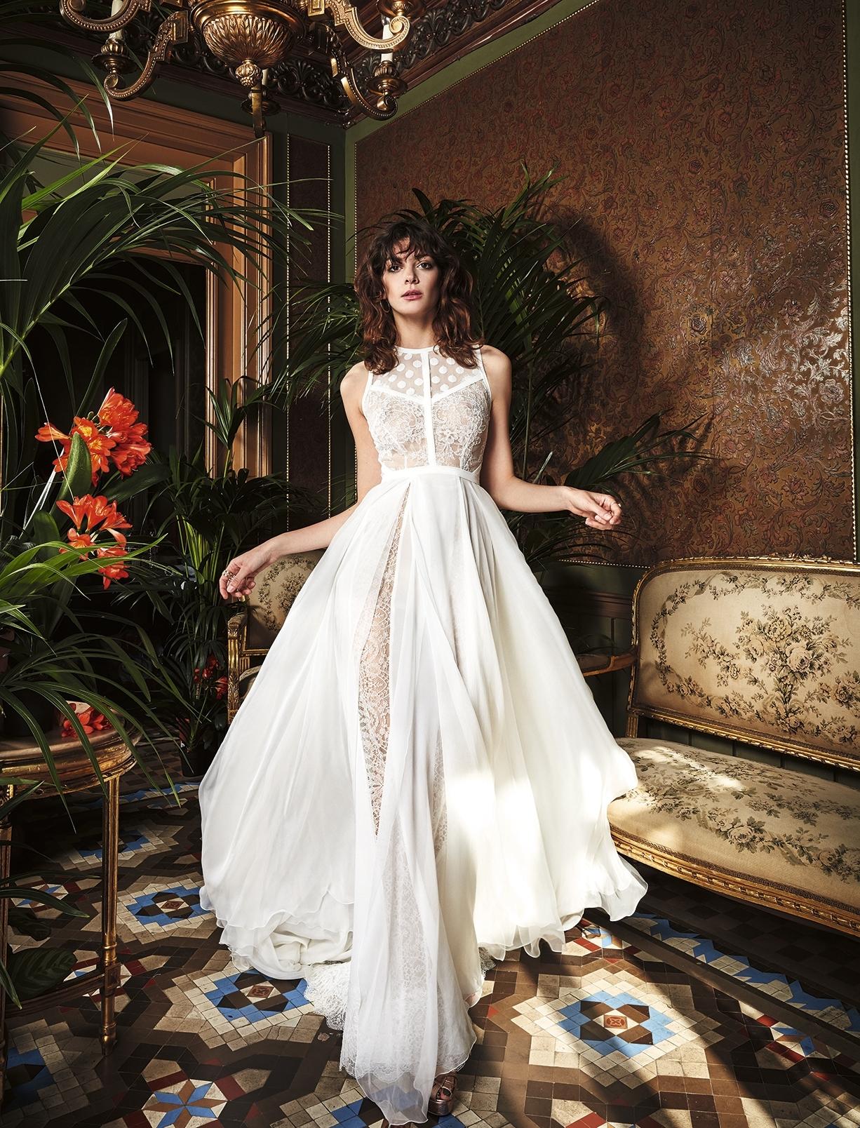 silk-chiffon-wedding-dress-original-romantic-bohemian-bride-beach-weddings-yolancris-fresa.jpg