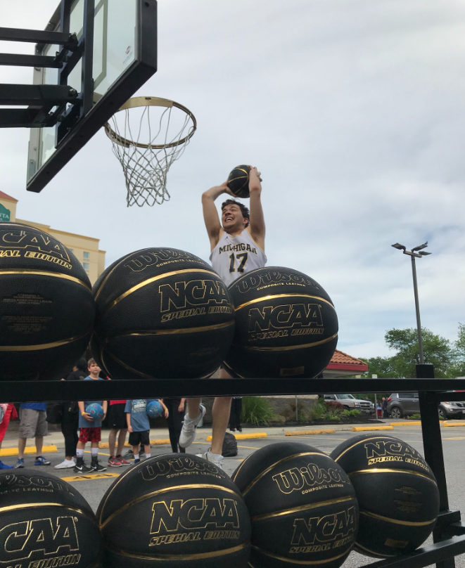 axe event dunking with balls.PNG