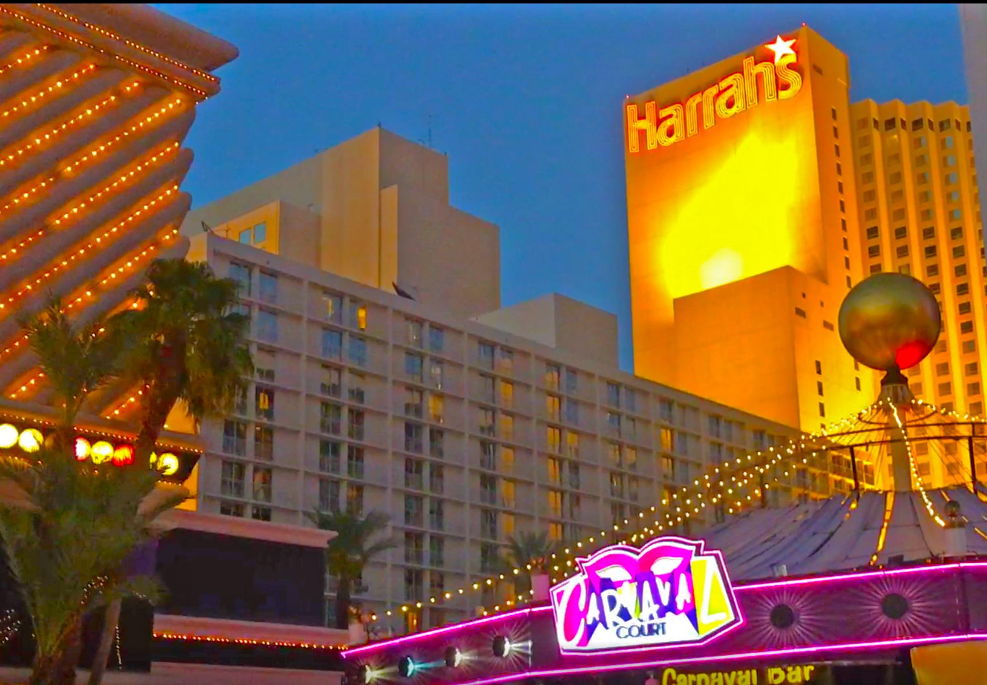 Harrah's - Eröffnet: 1973Casino-Grösse: 8'420m²Resort-Fee: 35 US-DollarZimmeranzahl: 2'672 Zimmer, 94 SuitenNamensgeber ist der frühere Eigentümer, aktuell gehört das Hotel & Casino Caesars Entertainment. Das Ganze wird in einem Fasching-Fasnacht-Design präsentiert (besonders der Eingangbereich). Eine Monorail-Haltestelle ist am Ende des Hotels.