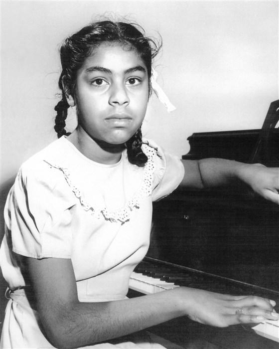 Young Sylvia Mendez.jpg