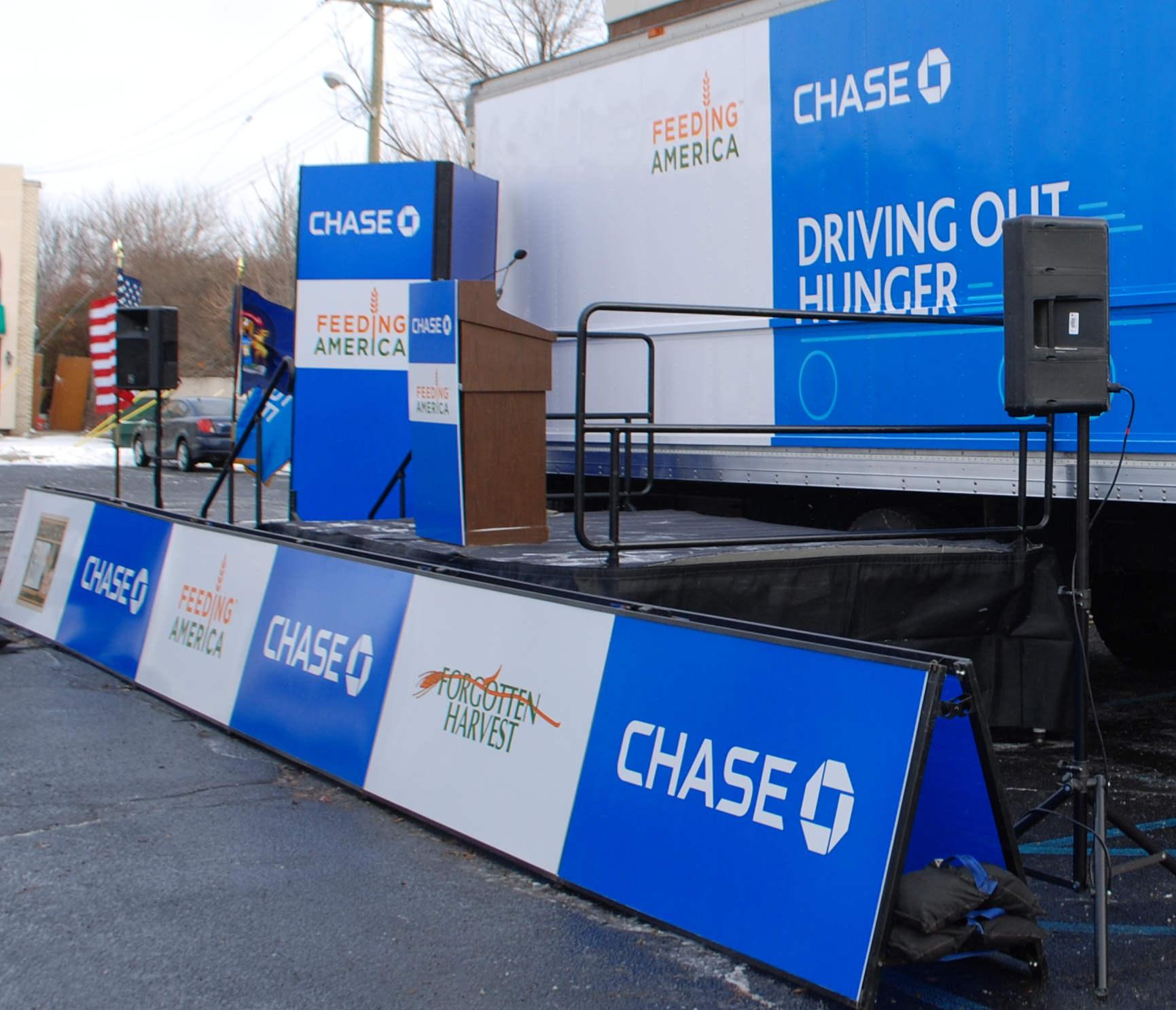 ChaseFeedingAmerica_APCG2.jpg