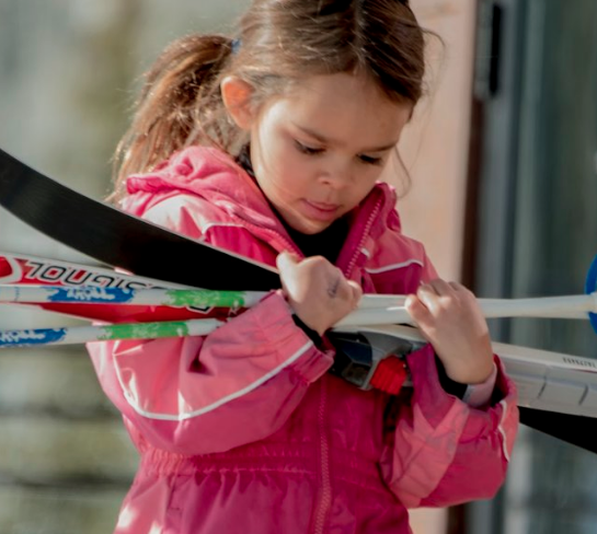 Snowburners Youth Program - Ages 5 - 12Sundays, Jan 5th - Feb 23rd from 9:30 am - 12:00 pmor Mondays, Jan 6th - Feb 24th from 2 pm - 4 pmChoose between:Introductory (Ages 5 - 10) - Classic skiingAdvanced (Ages 8 and Older) - Skate skiing