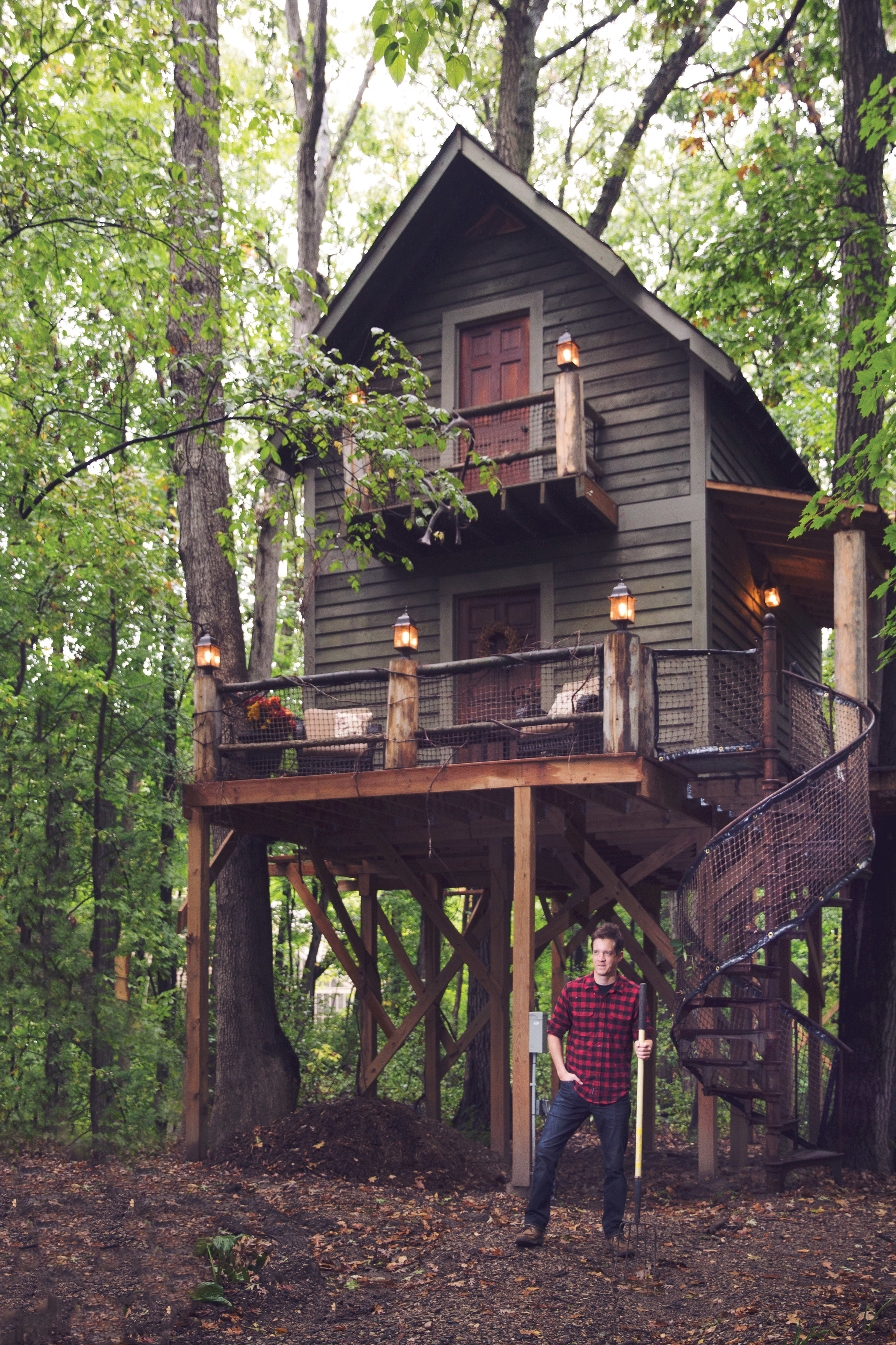 1117_cover_PLY8210_1117_Treehouse_RN _0059.jpg