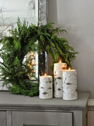 Sometimes when you have a side table in your hallway you can be unsure of how to decorate it effectively! Remember - less is more. Place a few candles and some greenery on the table. It will give you a classic, timeless look that will be absolutely beautiful!