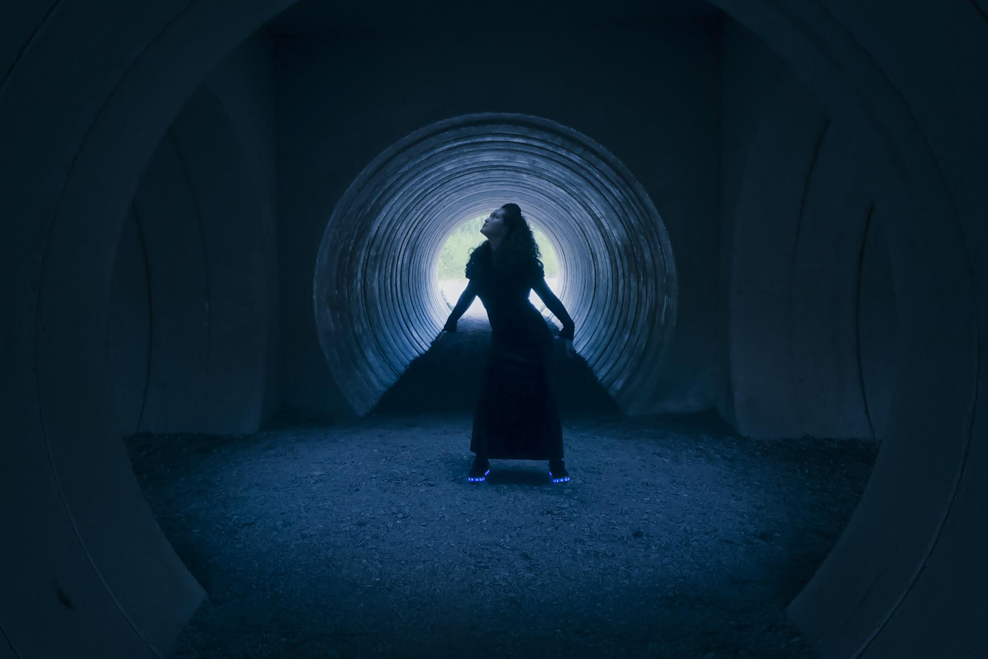 Dark-Lady-Arteles-Fashion-Film-Cy-Gorman.jpg