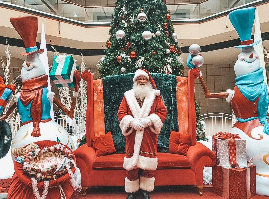 Santa Maplewood Mall.JPG