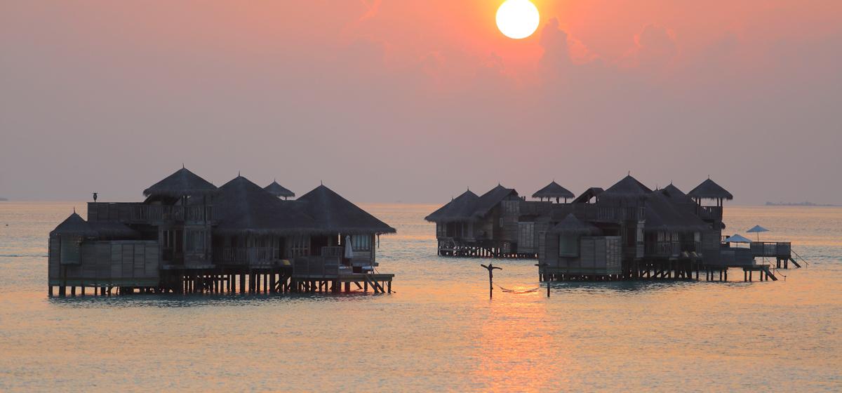 Gili_GLM_Crusoe-Residence-at-Sunset.jpg