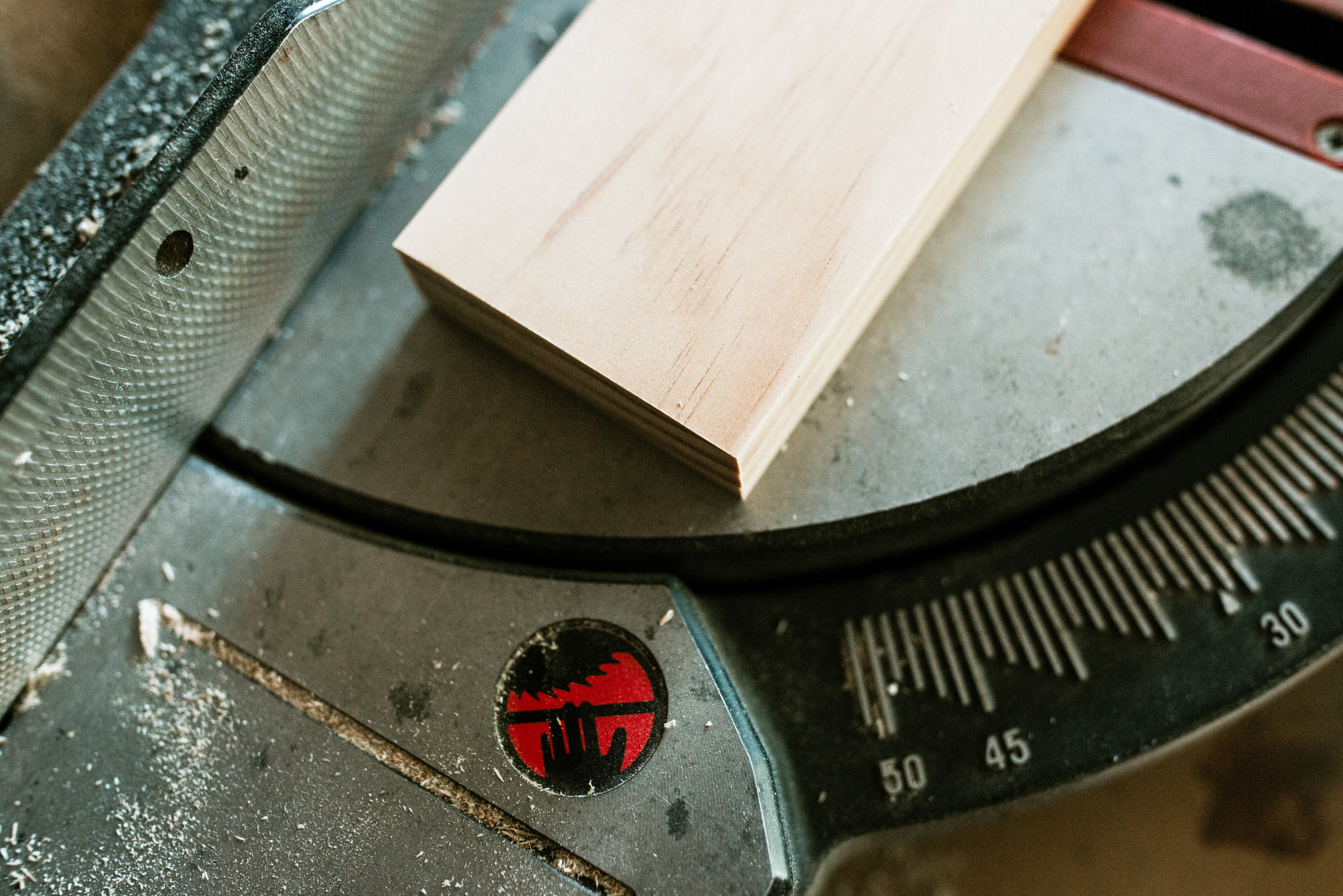 Example:  wood was  cut with tape  - no splintering in wood