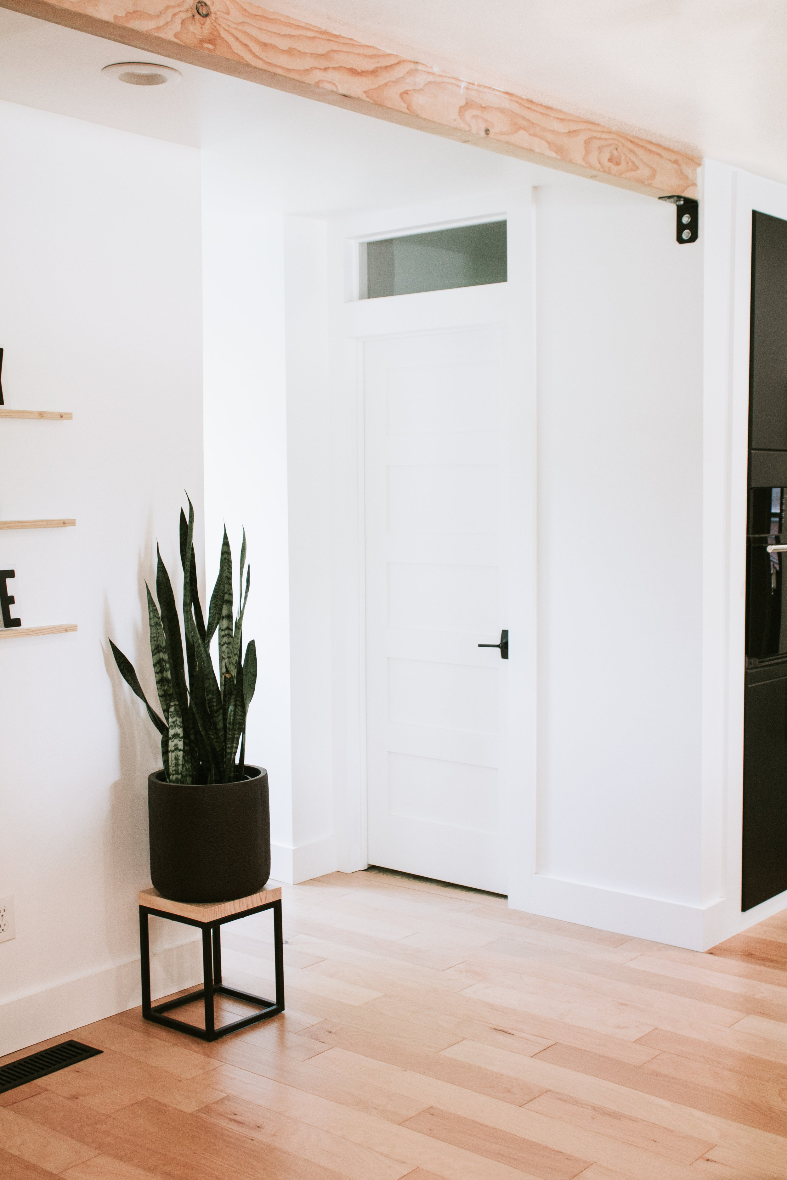 4 reasons you should install light colored wood floors in your home. Light wood floors vs. dark wood floors. What type of floor should you get for your house? What's better light or dark floors? Interior Design tips for what floors you should put in your home.