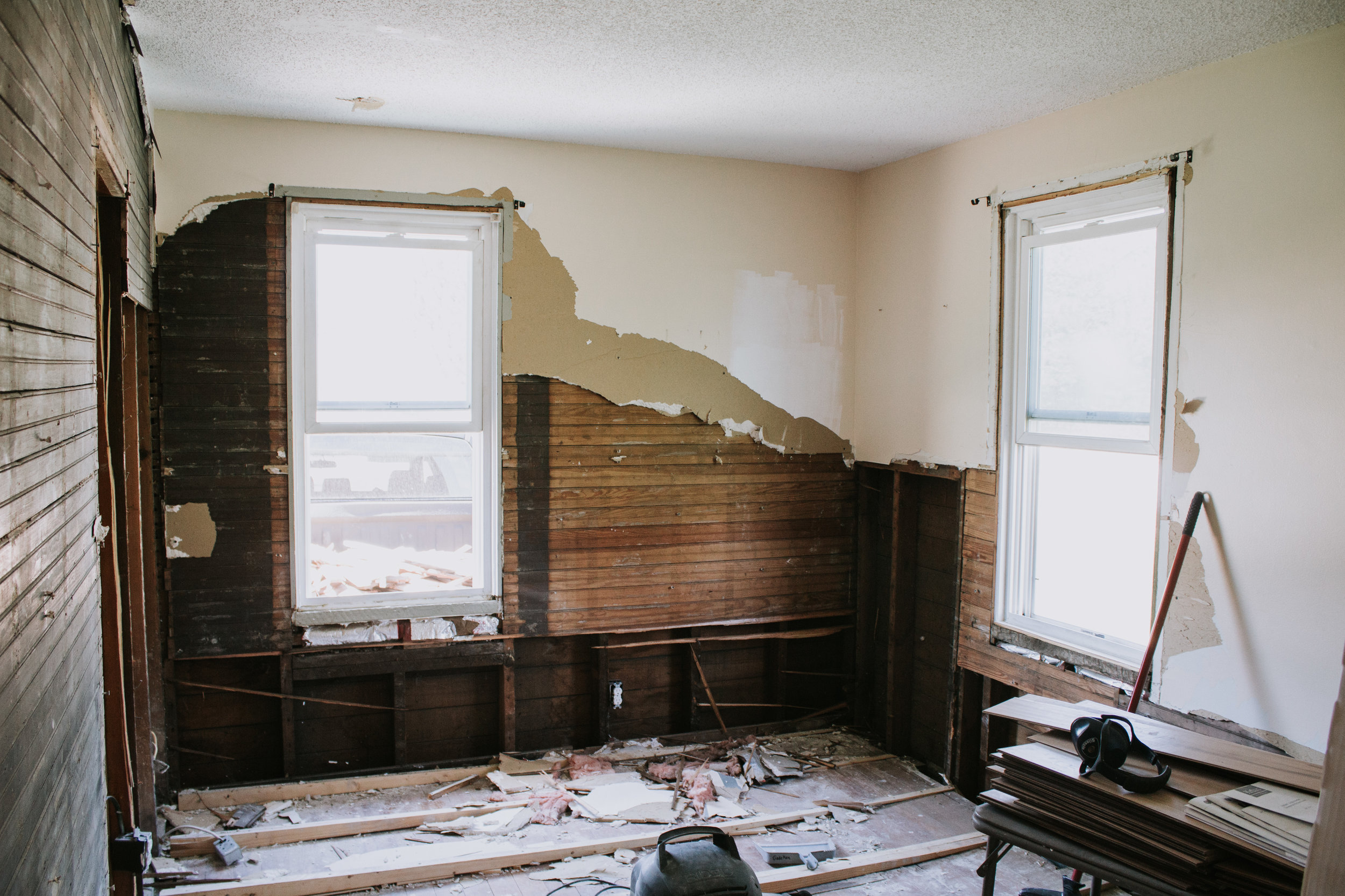 When to start from scratch vs. when to preserve and restore. Home renovation tips for fixer uppers and interior design tips for old home remodels. 3 reasons you should gut your home. 3 reasons you should save/restore/preserve your home.
