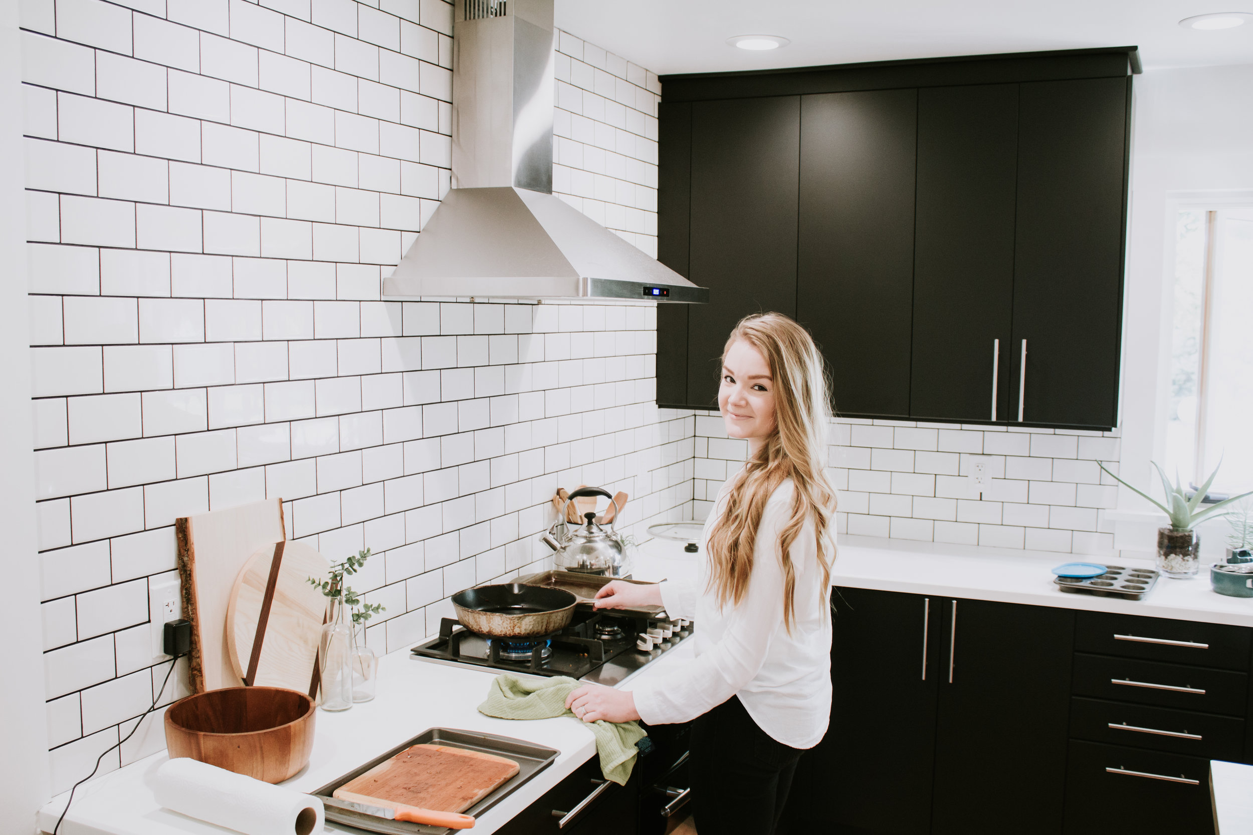 2018 in Review - What happened in our lives in 2018 - the behind the scenes of Refined Design - Our kitchen was featured on Apartment Therapy!