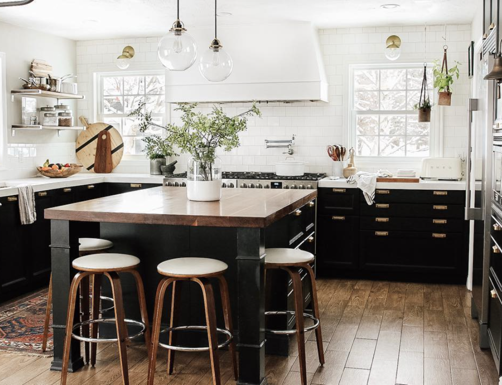 5 home items you shouldn't buy on the cheap. 5 home design elements you should invest in for your home. Reliable faucets, durable hardware, knobs, pulls, and handles, quality lighting, durable sofas, and durable rugs. | Nadine Stay | Image from Chris Loves Julia