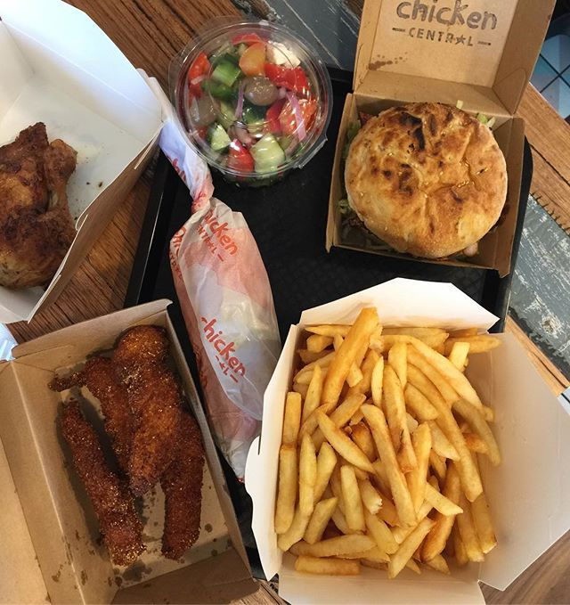 Bases covered. ✅Free Range Roast Chicken ✅Gluten Free Chips ✅Grilled Chicken Burgers ✅Chicken Wrap ✅Fried Chicken Tenders ✅Greek Salad . . #melbournefoodporn #melbourne #foodporn #daily #foodie #dailymotivation #dailyfoodfeed #feedfeed #melbournefoodie #burger #chickenburger #melbourneburgers #hawthorn #balwyn #ashburton #glutenfree #monday