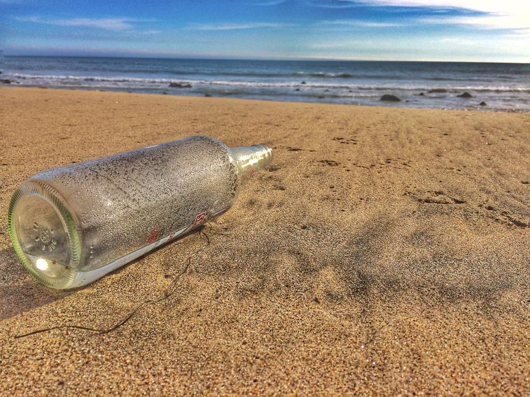 No #messageinabottle for me. And no Aguilera to be found. #laproblems #hollywood #toesinthesand