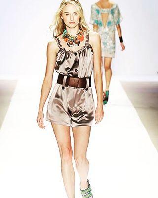 Strolling down #memorylane on a #sunday @nanettelepore #twomodelsdo #canadianmodel #runway @wilhelminaqny @lamodelsrunway @astonmodels @angiesmodelstoronto @angiesmodels