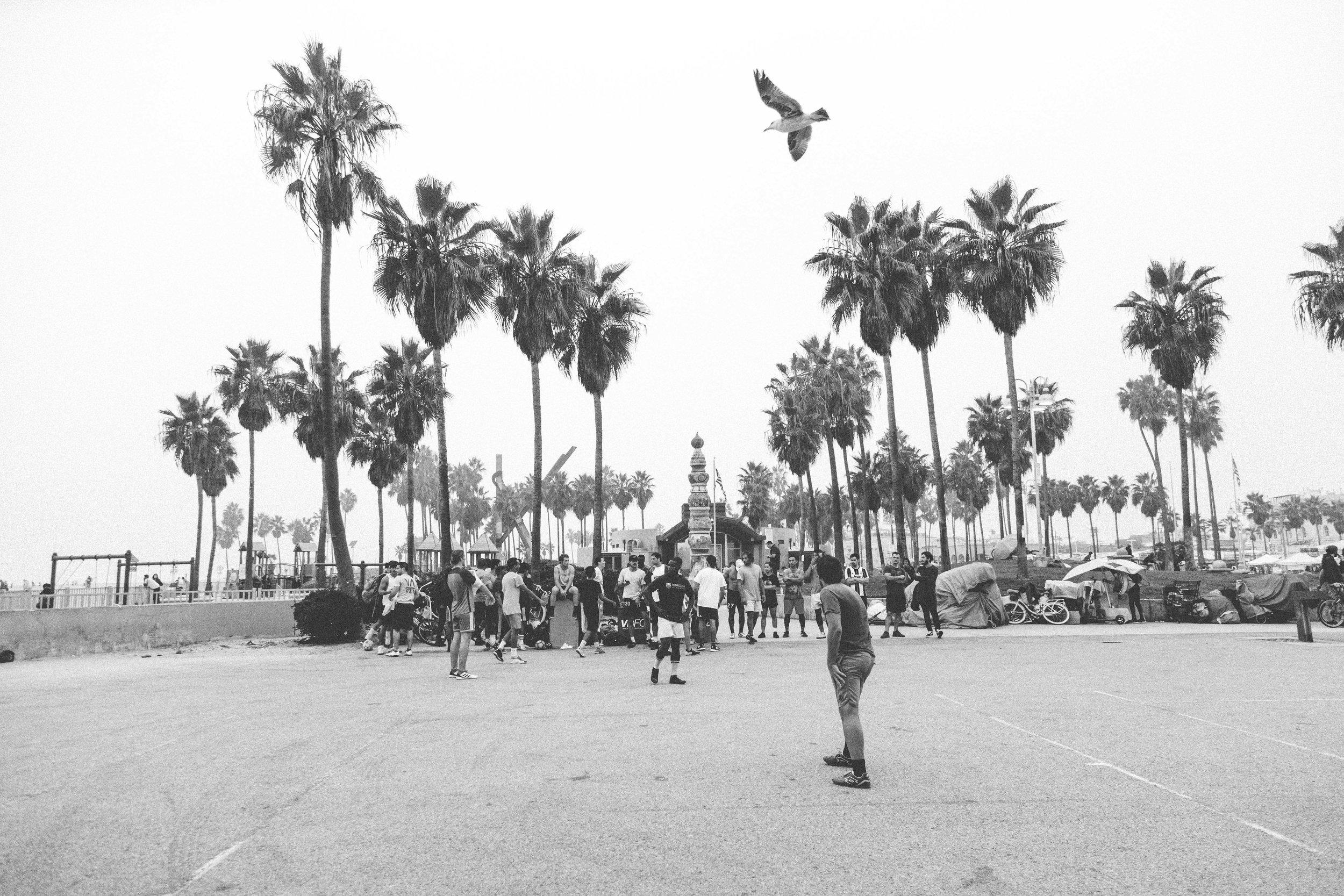 11-04-18-Venice Beach, VBFC Black and White-2546.jpg