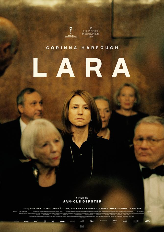 Lara_INT_670.jpg
